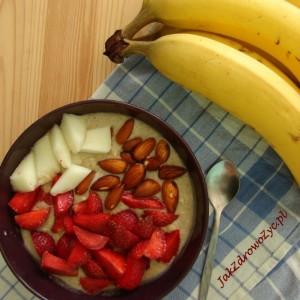 Letnie niadanie owsianka bez gotowania z truskawkami bananani melonem ihellip
