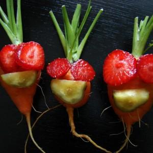 Rodzinka w komplecie  weganizm warzywa