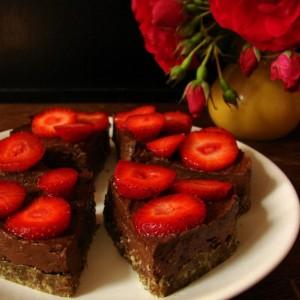Wczorajszy letni deser ciasto z awokado bez pieczenia  Zniknohellip