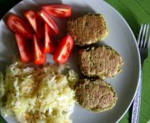 Kotlety z kaszy jaglanej, ciecierzycy i brokuła