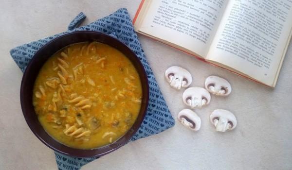 Zupa pieczarkowa wegetariańska