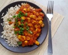 Tofu z białą fasolą po indyjsku