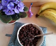 Czekoladowa granola z komosy ryżowej