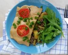 Zapiekanka z ziemniaków z sosem z orzechów nerkowca