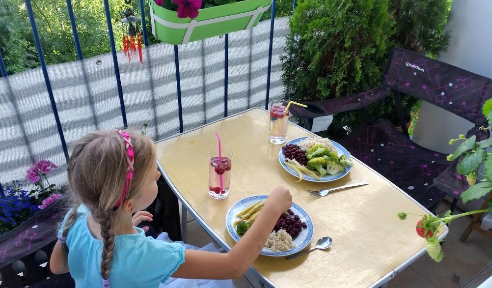 obiad na balkonie